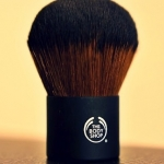 Extra virgin minerals powder brush